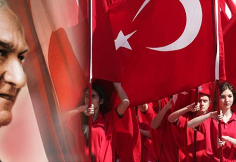Atatürk Cumhuriyeti neden gençliğe emanet etmiştir