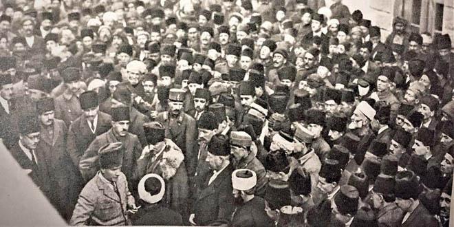 Atatürk'ün basın toplantısı